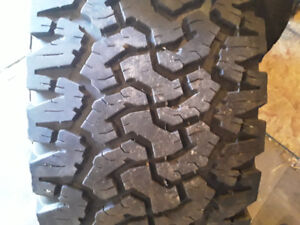 pneus bf goodrich all terrain 305-65-17