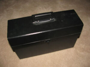 Portable Expanding File Case with Handle