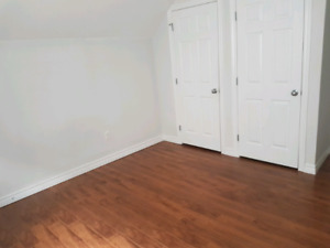 2 bedroom apartment in Windsor.  Available immediately .