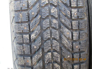 6 studded winter tires 225/70/16