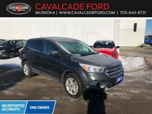 2017 Ford Escape SE 4WD with backup cam, htd seats, htd mirrors!