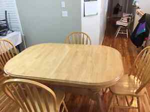 Maple Kitchen table & 6 chairs