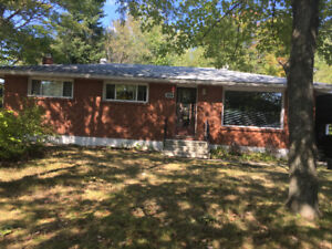 Student Rooms for Rent one Block from  Sault College