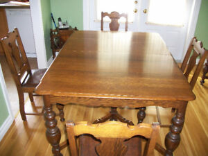 1920s Vintage Oak Table And Chairs
