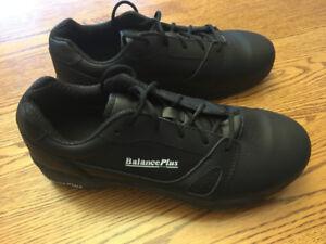 Balance Plus 401 Mens Size 9 Curling Shoes