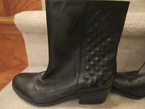 Black leather ankle boots London Ontario image 2