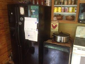 Whirlpool Gold Fridge and dishwasher