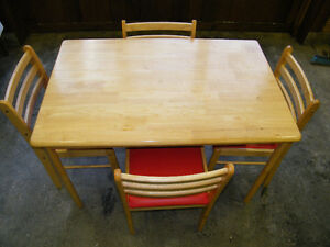 SOLID-WOOD TABLE AND CHAIR SET IDEAL FOR COTTAGE / SMALL KITCHEN