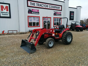 Used 2013 Mahindra 3016 with loader and front mount snow blower