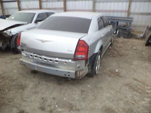2005 CHRYSLER 300 TOURING AWD parting out or sell complete