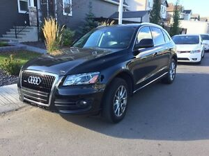 2010 Audi Q5 3.2L Quattro Premium / Leather / Sunroof / Loaded