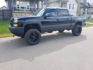2006 MINT LIFTED CHEVY 1500