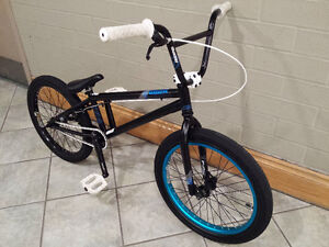 BMX MIRRACO 2012, LIKE BRAND NEW, EXCELLENT CONDITION