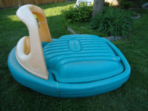 LITTLE TIKES BOAT SAND BOX/WATER BOX