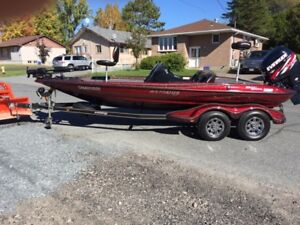 Stratos Bass boat