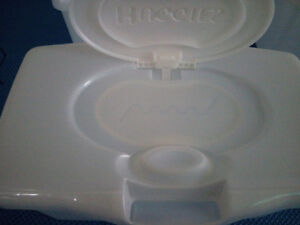 Huggies Wipes Boxes | New (Never been used) | $2.5 for 4 boxes London Ontario image 3