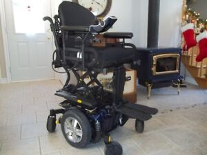 Q6 Edge® 2.0 Power Chair with iLevel seat **DELIVERY INCLUDED**3