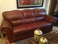 TWO PIECE LEATHER SOFA'S BROWN HIGH END QUALITY USED