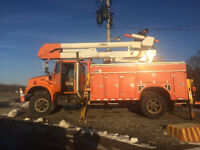 BUCKET TRUCK 45 FT AS NEW!