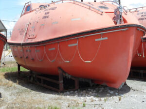 LIFEBOAT - Boat - Tiny House - RV - Amazing potential