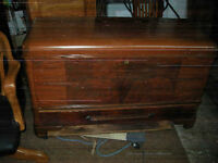 antique cedar chest.. great condition... ready to go