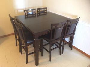 Dining table - Counter height - 6 chairs - Seats 8