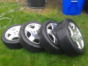 4 x 225 50 R18 95V summer tires with chevy mags - Like new