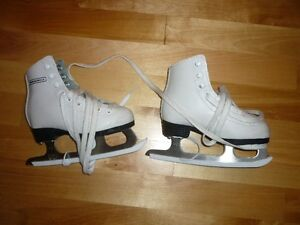 Figure skates for girls (4/5 years old)