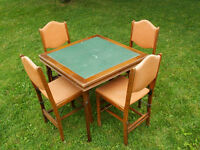 Table à carte et 4 chaises - Card table and 4 chairs