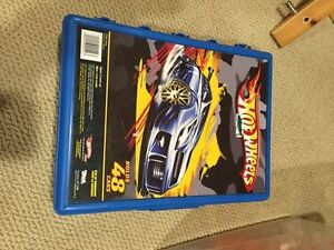 Hot wheels with case