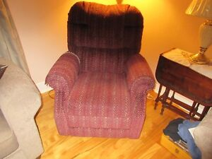LIFTING CHAIR / CHAISE LEVE PERSONNE West Island Greater Montréal image 1