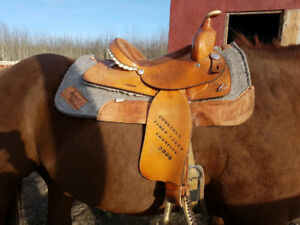 Western Rawhide Barrel Saddle