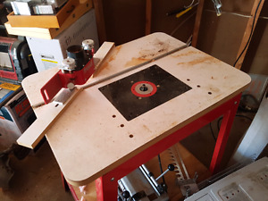 Freud router, table, gaurd, dovetail jig and bits