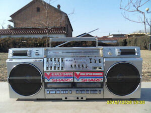 Looking for radio cassette  ghetto blaster boombox from 80's