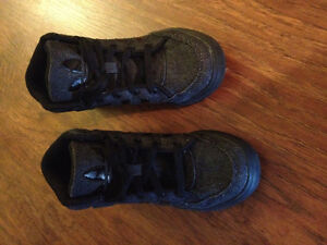 Size 13 Adidas sneakers excellent condition