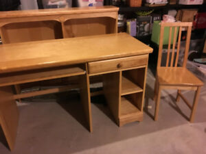 Desk, Chair and Hutch **Free
