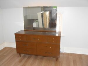 dresser /chest of drawers with mirror