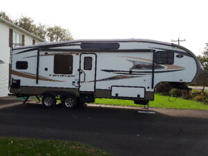 2013 Crossroads cf27RKX 5th Wheel