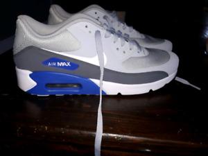 Nike Air Max. Mens size 9. Never worn