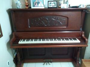 Piano Steinburg antique à donner