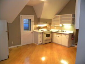 Large 2 Bedroom Second Floor Apartment in Hanover