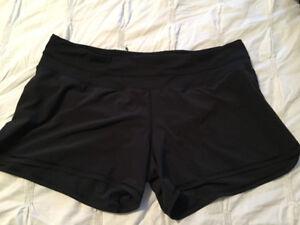 EUC LuLu shorts