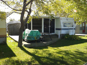 REDUCED trailer/sunroom for sale in marina shores long point
