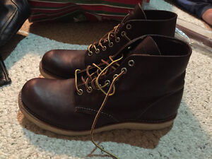 Men's Red Wings Boots - Size 10