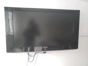 "Télévision Samsung 40"" usagé bon état"
