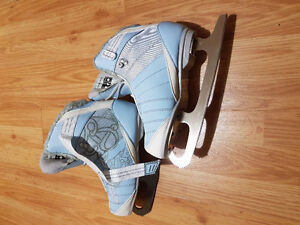 Recreational SKATES size 7. Just like NEW