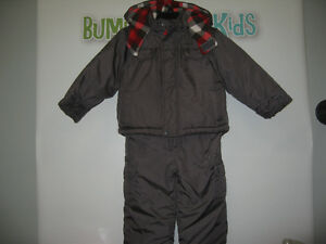 Boy's 18/24 months (Carter) 2pcs Snowsuit