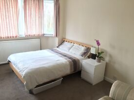 Stunning King size room available (next to Heathrow Novotel hotel)