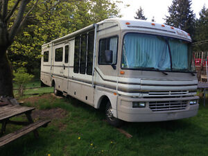 RV Fleetwood Bounder 40'