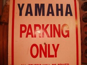 LOTS OF YAMAHA SNOWMOBILE PARTS FOR SALE